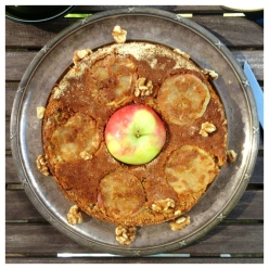Äppelkaka med valnötter kanel & kaffe (gluten, mjölk & sockerfri)