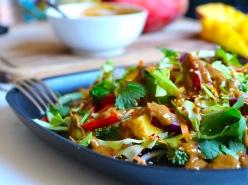 Raw sweet chili sallad med sesamdressing