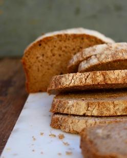 Glutenfri fullkornslimpa (fiberrik, naturligt glutenfri, vegan)
